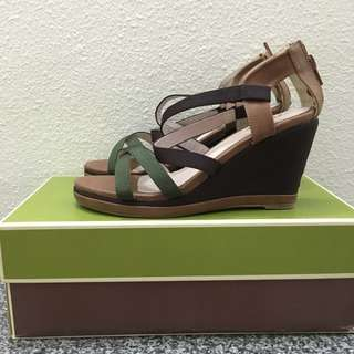 Bata Strappy Wedge Sandals Size 35
