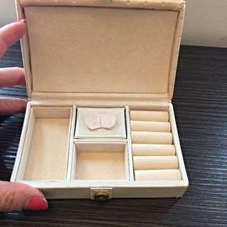 Afterroon Tea 粉色珠寶盒(旅行用)