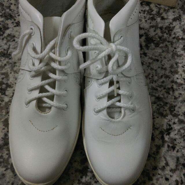 高筒真皮白鞋