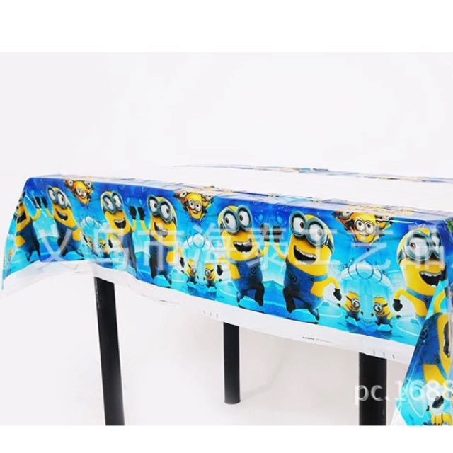 225 & Minion Table Cover