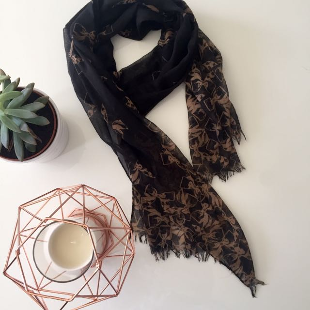Stylish Black Scarf