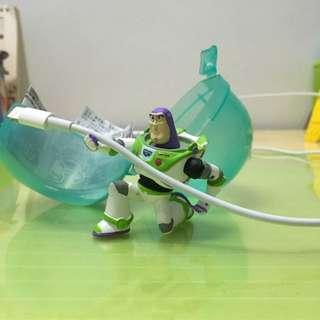 🚚 巴斯 玩具總動員 Toys Buzz 扭蛋 玩具 公仔 電線夾