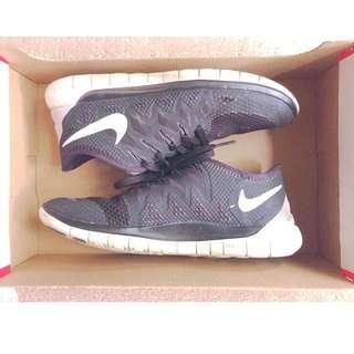 Nike Free Runs