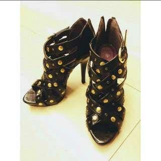 歐美品牌鉚釘羅馬黑色皮革高跟鞋6.5/37