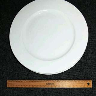 8 White Maxwell Williams Dinner Plates