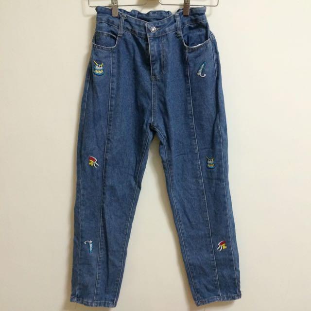 小圖騰直筒牛仔褲