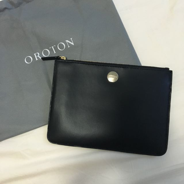 Authentic Oroton federation zip pouch (black)