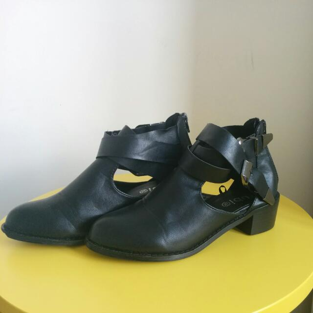 Black Boots By Ruby Shoes Size AU 6