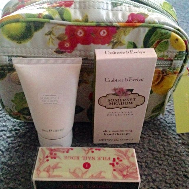 Crabtree & Evelyn Somerset Meadow Set