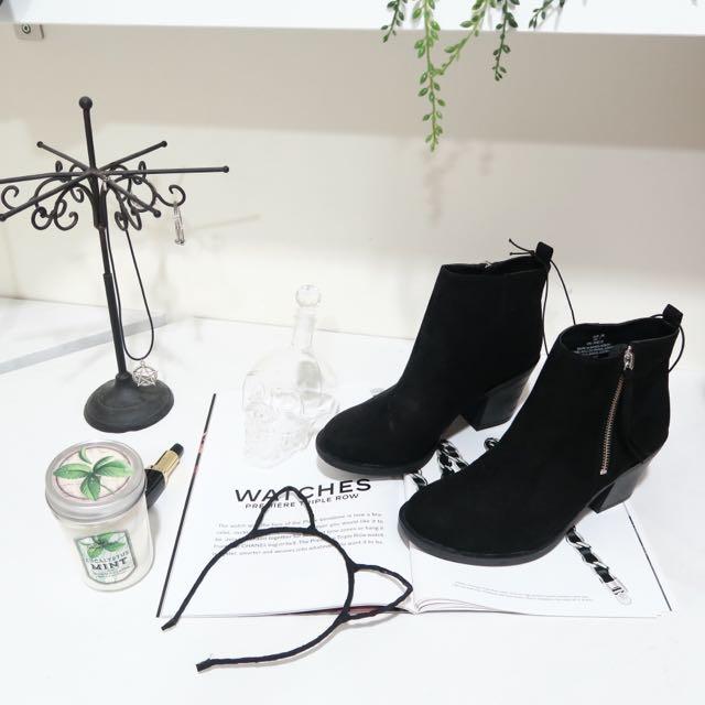 H&M黑色裸靴