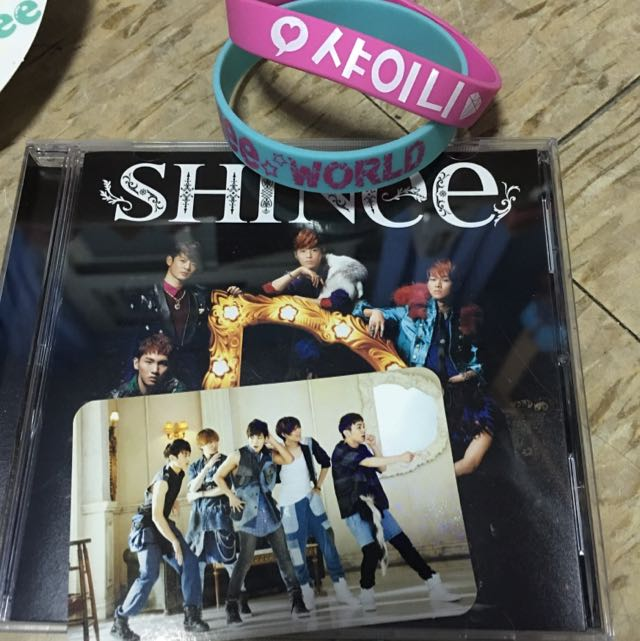 SHINee Dazzling 日版 CD 赴小卡 送手環