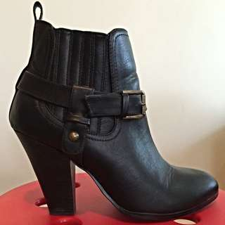 Zu Ankle Boots (size 8)