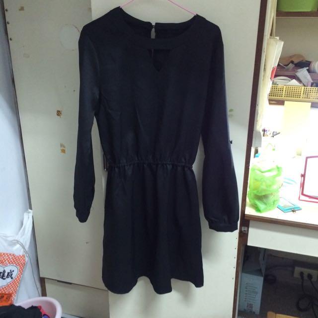 黑色縮腰洋裝