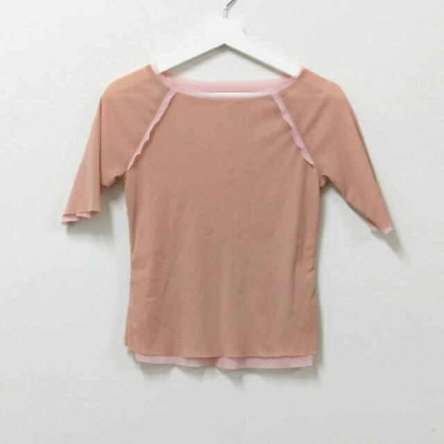 En-suey專櫃彈性絲質五分袖不修邊上衣38㊝任三件150元