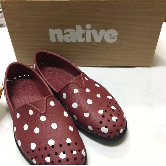 全新!Native 草間彌生款洞洞鞋