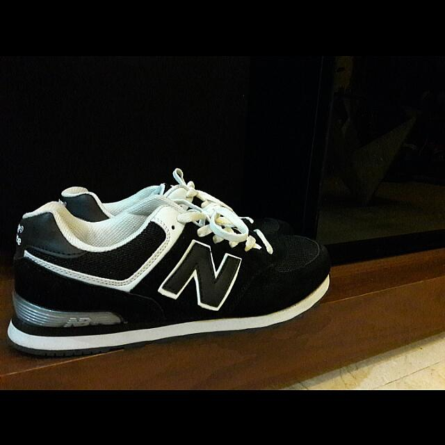 5638f460f6c New Balance 574 Black And White Replica