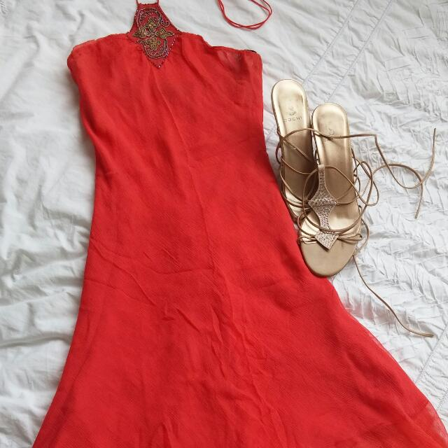 Seduce Coral dress with stunning bead detail. Size 10.