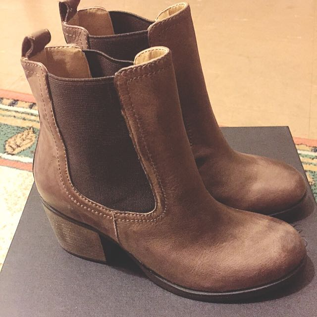 Tony Bianco New Brown Ankle Boots Size 6