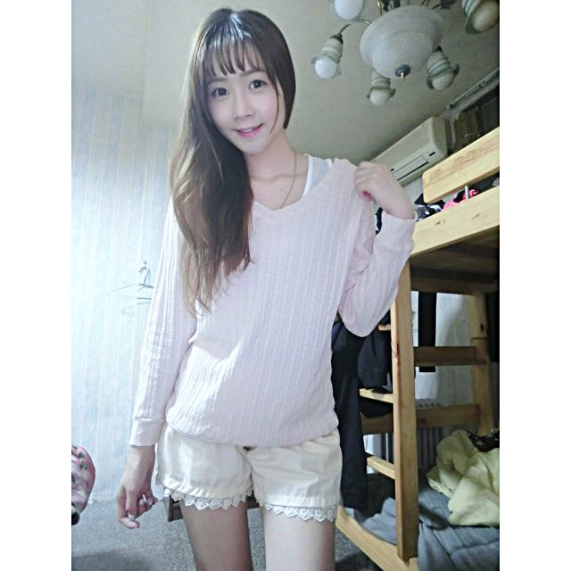 (降價💰)V領粉色薄針織上衣