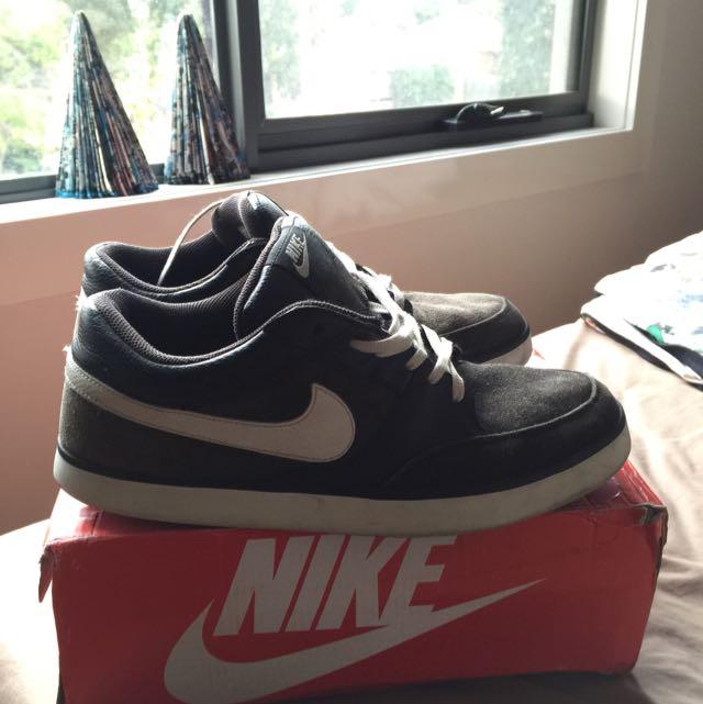 Vintage Nike Shoes Size 11