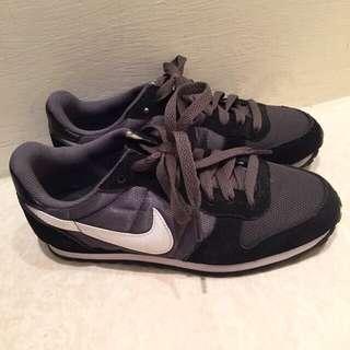 [保留]Nike 復古配色 黑灰白 慢跑鞋 阿甘鞋 布鞋 23