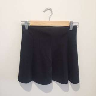 Black Basic Mini Skirt