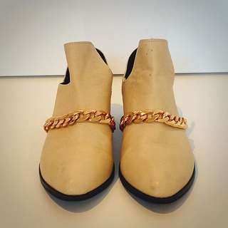 Cream Flats with Gold Chain