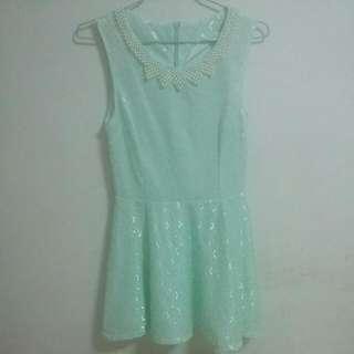 🚚 襯膚白薄荷綠洋裝