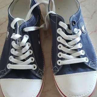 As Good As New Crocs Denim Shoe
