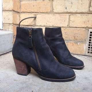 Jo Mercer Boots Size 6.5