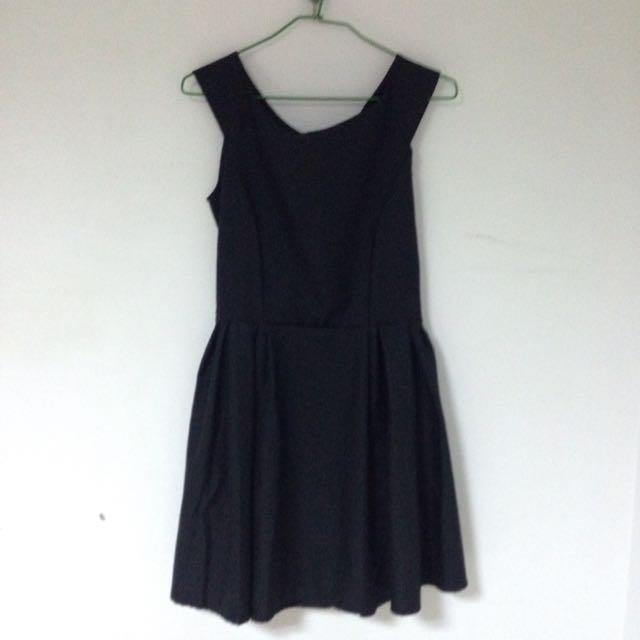 氣質純黑洋裝
