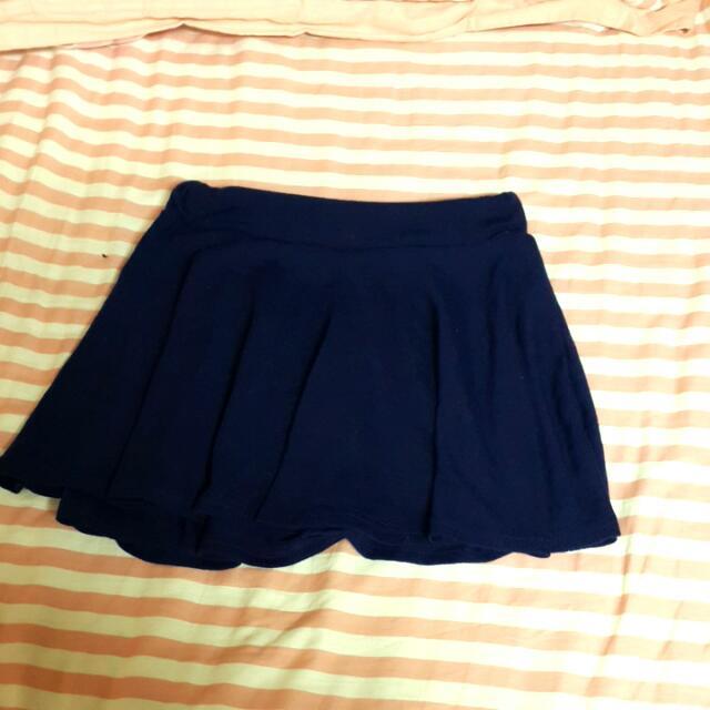 伸縮小藍裙