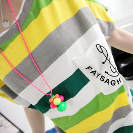 T恤 彩色橫條船錨口袋點綴圓領上衣