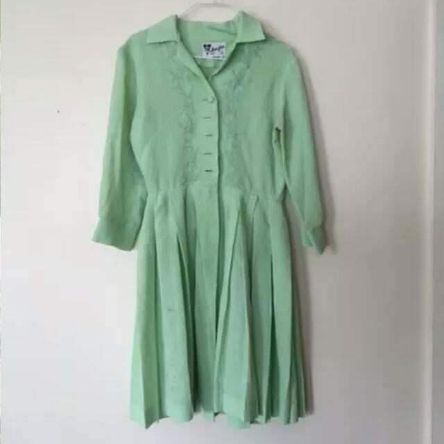 Vintage Green Tea Dress Size 8 To 10 Long Sleve