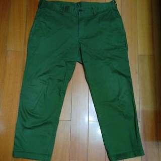 Uniqlo 軍綠九分褲