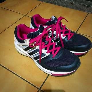 🚚 Adidas Boost 專業 慢跑鞋 黑 粉