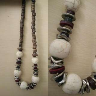 White Stones Necklace.