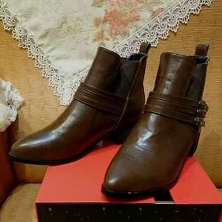 (全新轉售)D+AF副牌miss Dora韓風短靴腳踝靴 深咖色 42碼大尺碼