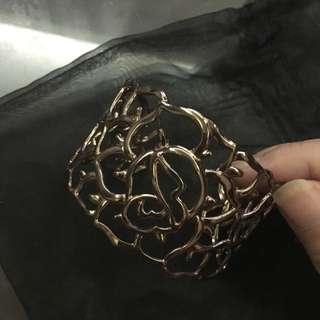 鏤空玫瑰手環