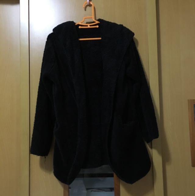 黑色毛外套