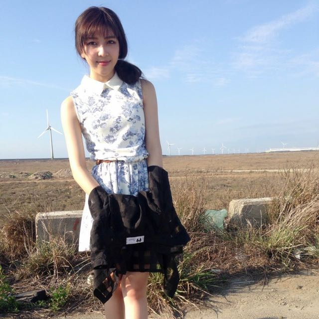 優雅青花瓷綁帶(皮帶)裙