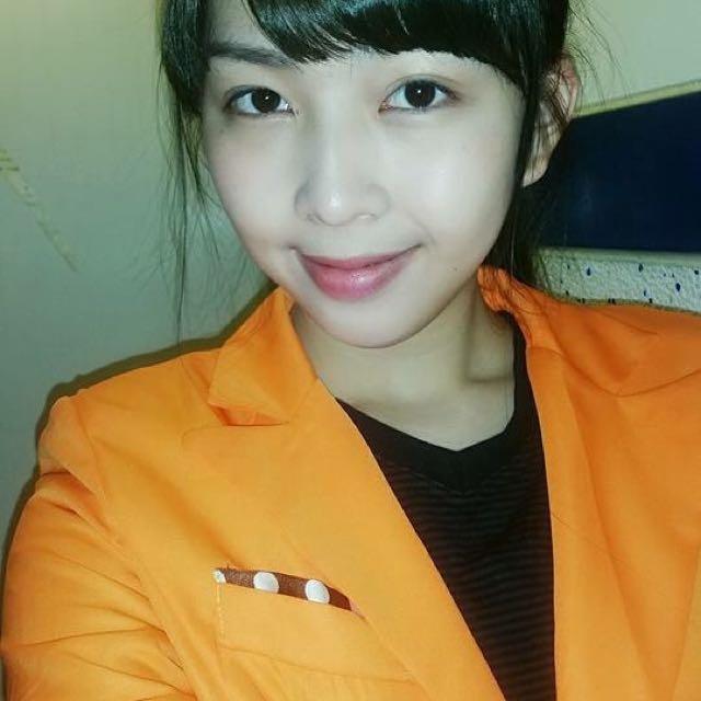 橘色顯白韓系西裝外套