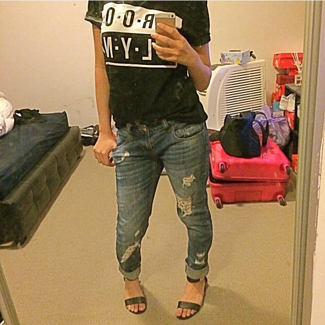 Boyfriend Jeans/tee/sandals