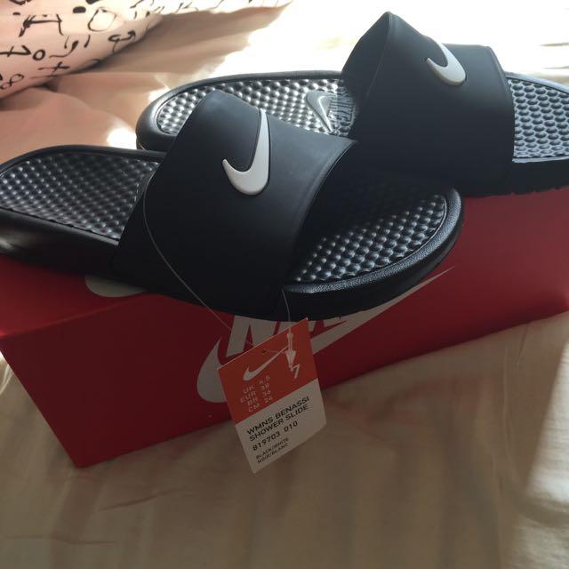 Nike防水拖鞋