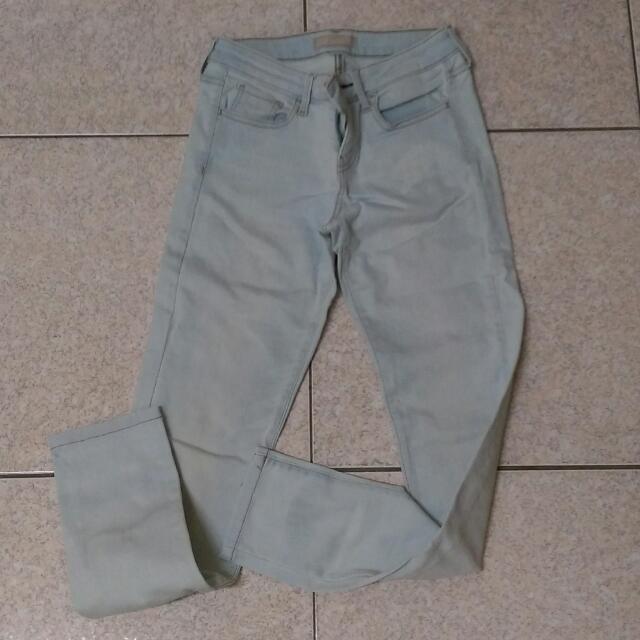 【二手/免運】Uniqlo中腰淺色牛仔褲