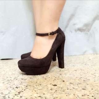 含運)Zara Trafaluc Fall Winter 2012 4吋華麗黑絨毛高跟鞋 37號