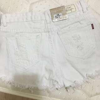 全新s短褲 沒穿過❤️牌子還在