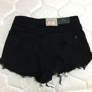 黑色短褲s