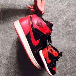 AJ1香港XSSW 喬丹NIKE黑紅NMD球鞋行動電源