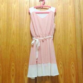 浪漫粉色雪紡洋裝
